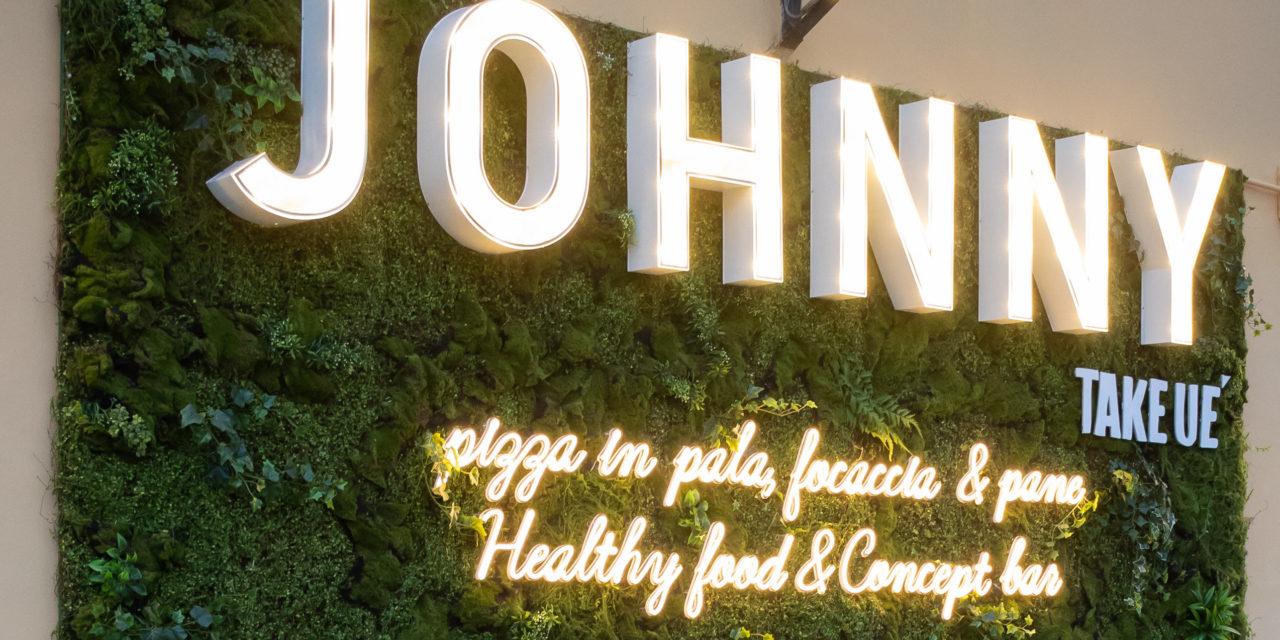 Una nuvola di pizza in pala: la nuova idea di Johnny Take Uè